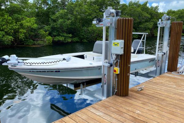 Miami 90 degree boatlift